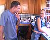telecharger porno Le père de famille encule la baby sitter dans la cuisine