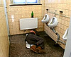 telecharger porno Grassouillette baisée par un mec ivre dans les toilettes
