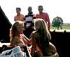 clip Jeunes lesbiennes s'offrent en partouze