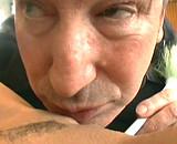 Téléchargement de Papy se tape sa jeune femme de ménage