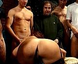 Téléchargement de Rocco offre une mature à 20 mecs en rut