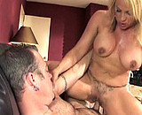 Téléchargement de Mature à gros seins baise avec un jeune