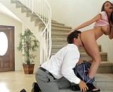 Télécharger porno Débutante aux très gros seins prise par beau papa