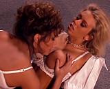 Télécharger porno Trio avec 2 secretaires dont la célèbre Jenna