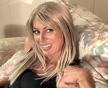 Femme mûre de 45 ans qui aime les jeunes mecs !