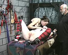 pute 35 soumise torturee