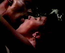 Rocco baise une jeune gogo de discothèque