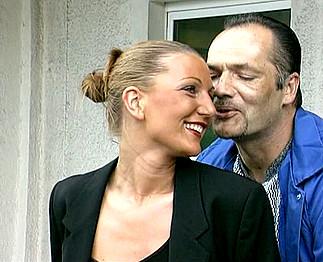 Téléchargement de Couple mature baise en plein air