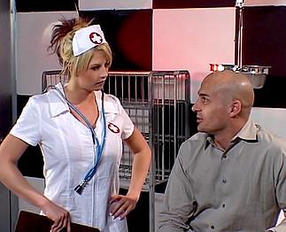 Téléchargement de Infirmière enculée par un patient