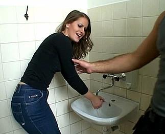 Video toilet porno toilet