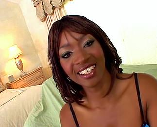 Téléchargement de Belle femme noire baise avec beaucoup de hargne