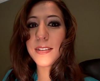 Téléchargement de Porno amateur avec une grosse paire de seins