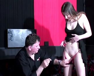Casting d'une jeune libertine orgasmique !