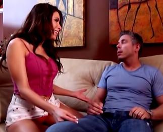 Sexe : Latina chaude de la moule baisée comme il faut