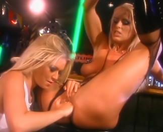 Scène lesbienne très chaude avec Jenna Jameson