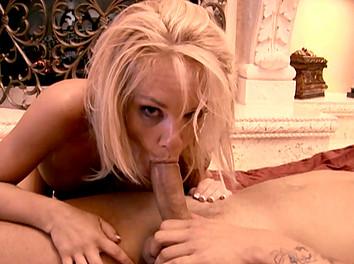 Tyann Mason : Belle bourgeoise de 45 ans baisée comme une chienne