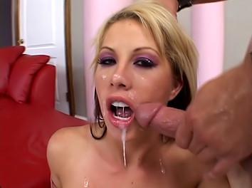 Brooke Haven : Blonde aux gros seins dans un porno hard 3