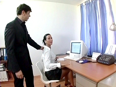 reseaubaise fr il baise sa secretaire