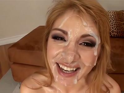Sperme dans la bouche pour plein de salopes