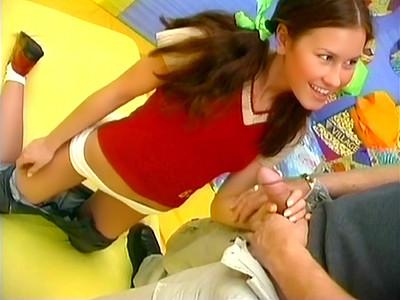 Nouvelle jeune étudiante fourrée par un mec de la fac très déchaîné